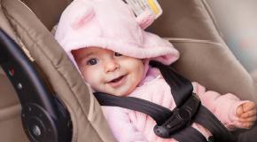 Baby i babyskydd