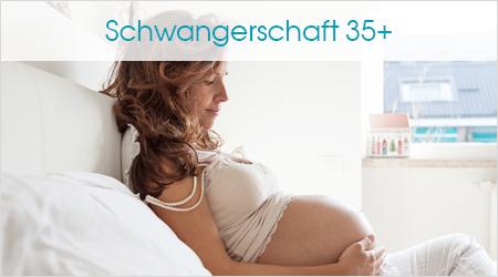 Schwangere im Bett; Schwangerschaft 35+