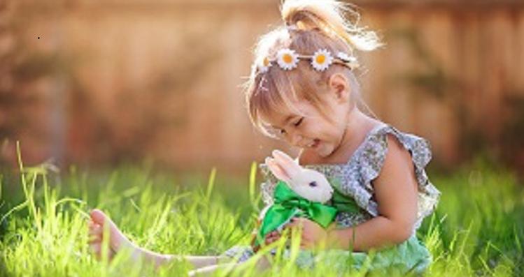 Mädchen-mit-Kaninchen