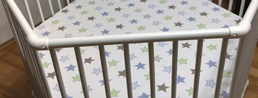 Geuther Laufgitter Matrix 6-eckig weiß mit Sternenfolie