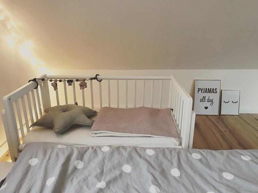 Geuther Bett an Bett Betty weiß am Elternbett