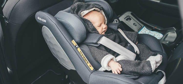 MAXI COSI Kindersitz Stone i-Size Einstieg rückwärts mit Kind
